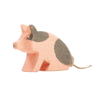 Spotted Piglet, sitting - Ostheimer 10953