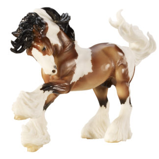 Gypsy Vanner, Breyer Traditional (1:9 Scale) Horse Figure   LeVida Toys