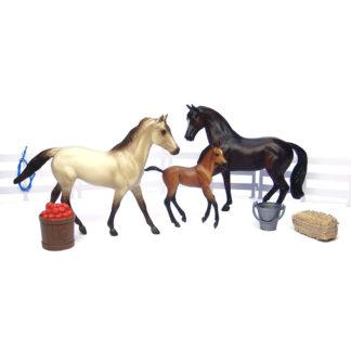 Sport Horse Family, Breyer Classics (1-12 Scale) 3 Horse Playset | LeVida Toys