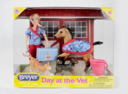 Day At The Vet, Breyer Classics (1:12 Scale) Play Set | LeVida Toys