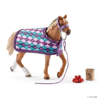 Schleich English Thouroughbred with Blanket - 42360 | LeVida Toys