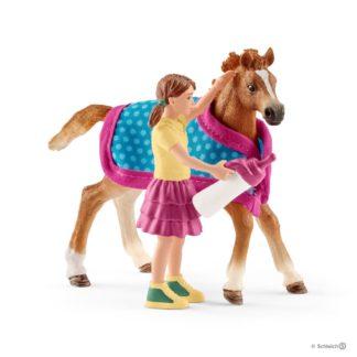 Schleich Foal with Blanket Horse Club - Schleich 42361 | LeVida Toys