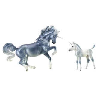 Cascade and Caspian (Breyer Traditional 1:9 Scale)