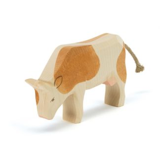 Ostheimer Cow Brown Eating figure - Ostheimer 11023 | LeVida Toys