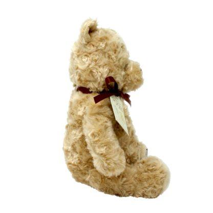 Cuddly Classic Winnie the Pooh soft toy   LeVida Toys